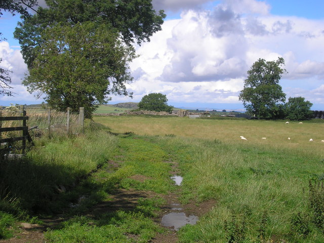Farm track to Cairnhill