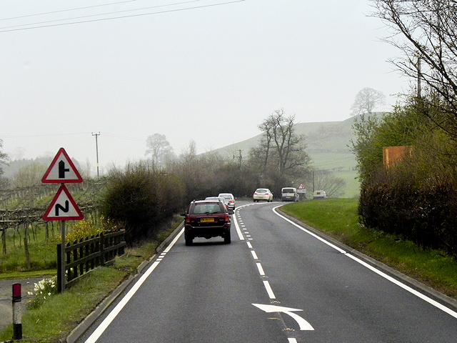 Pool Road (A483) near to Llanllwchaiarn