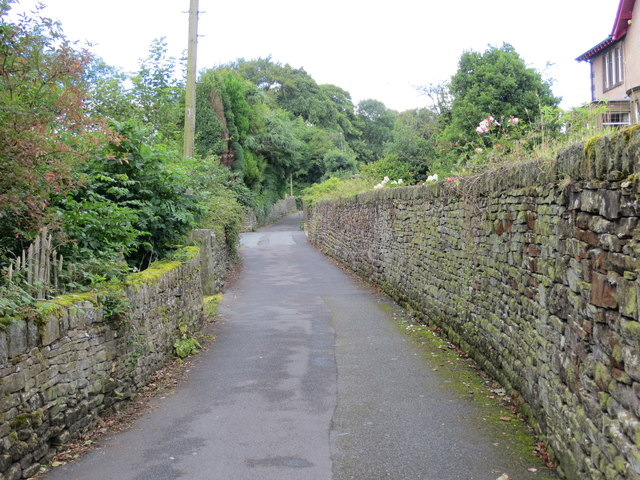 The wall enclosed Yate Lane, Oxenhope to the north of Eastville