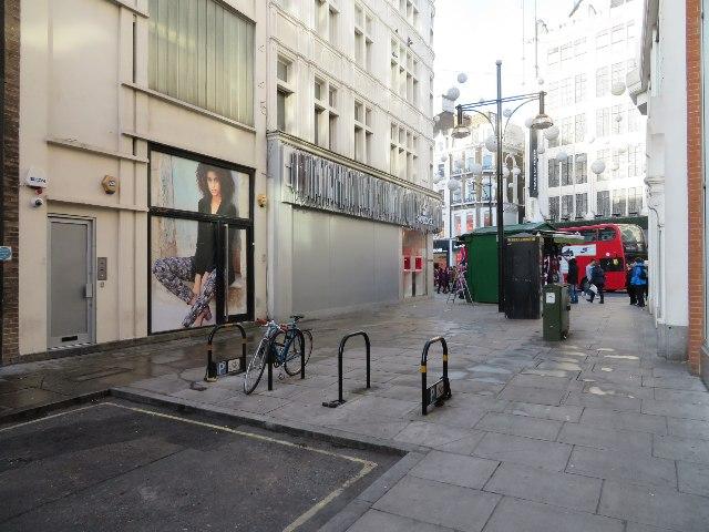 Dearing Street meets Oxford Street