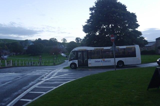 Bus in Bainbridge