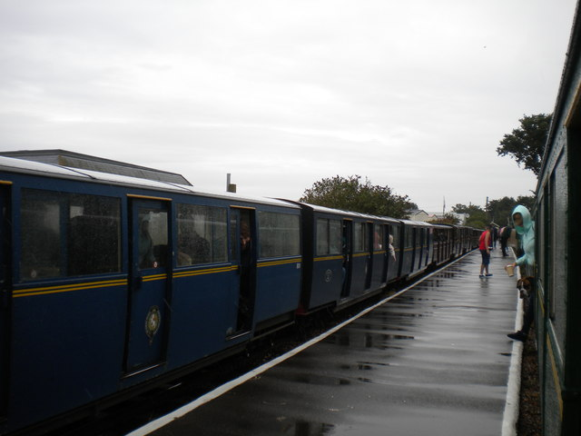 Passing trains at Romney Sands station