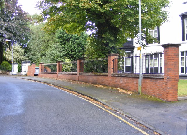 Oaks Crescent Bend