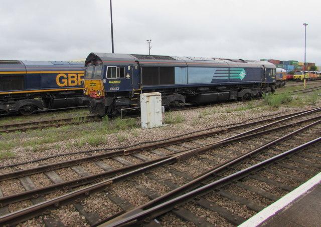 Freightliner diesel locomotive 66413 in Eastleigh