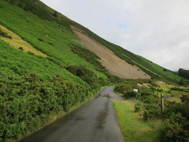 Road past Uzzicar