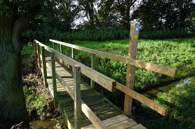 Footbridge off Featherbed Lane