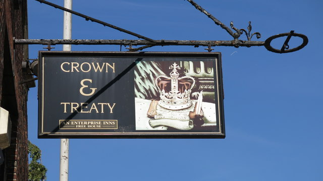 Sign for The Crown & Treaty, Oxford Road