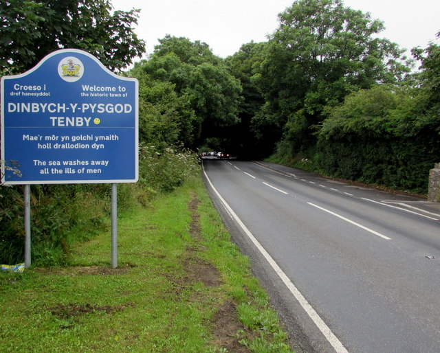 Croeso i Dinbych-y-pysgod/Welcome to Tenby