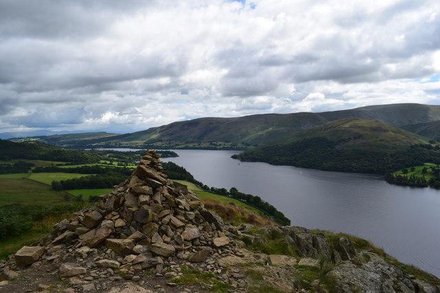 Yew Crag cairn