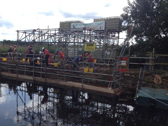 Renovating the Geldeston Lock + unique cantilever scaffolding