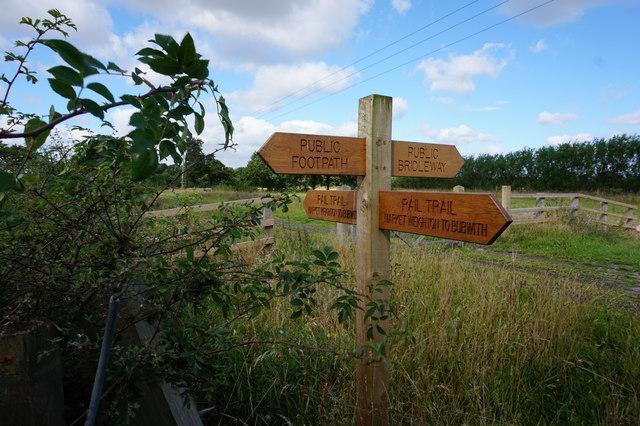 Fingerpost near Harlthorpe