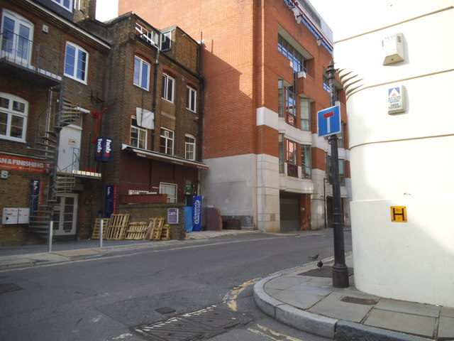 Horselydown Lane at the junction of Gainsford Street