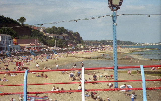 Looking northwards from Shanklin Pier in 1987