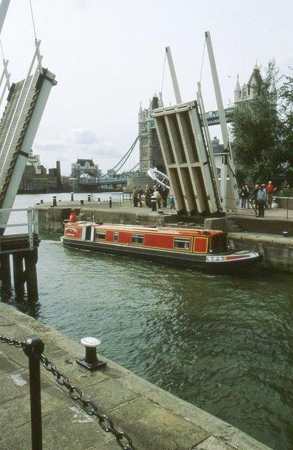 Narrow boat entering St Katharine Lock