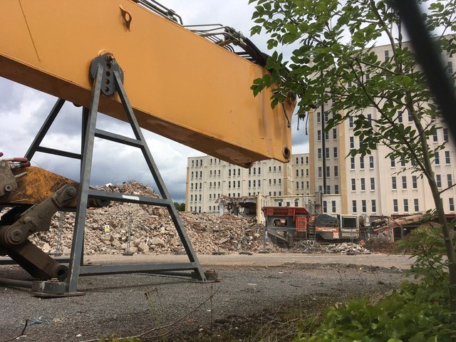 Paused demolition