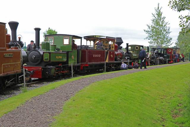 Statfold Barn Railway - end of day line up