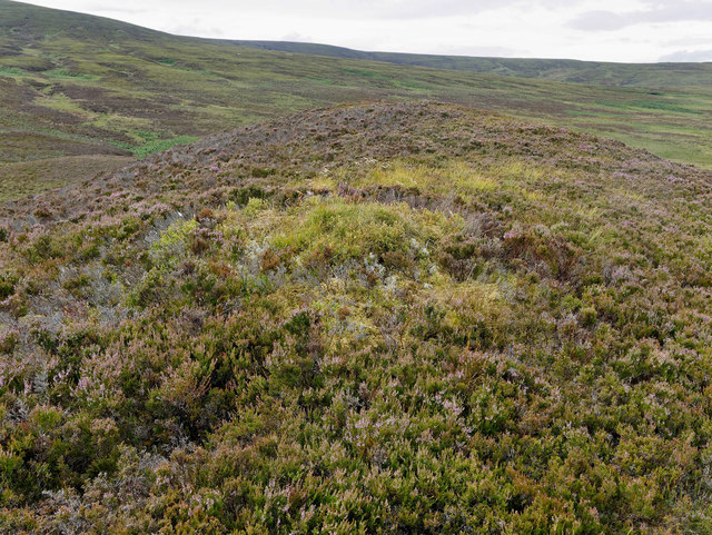 The east-west axis of Carr Dubh