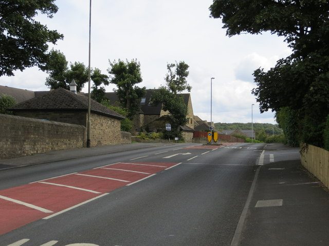 Wakefield road (A642) passing through Lepton