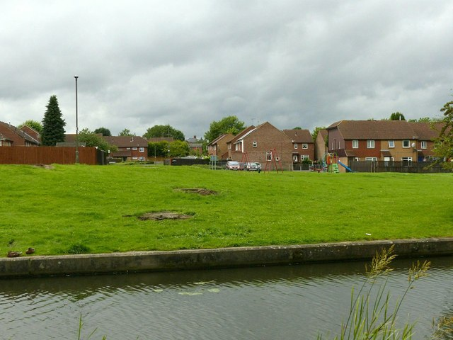 Open space by the Erewash Canal
