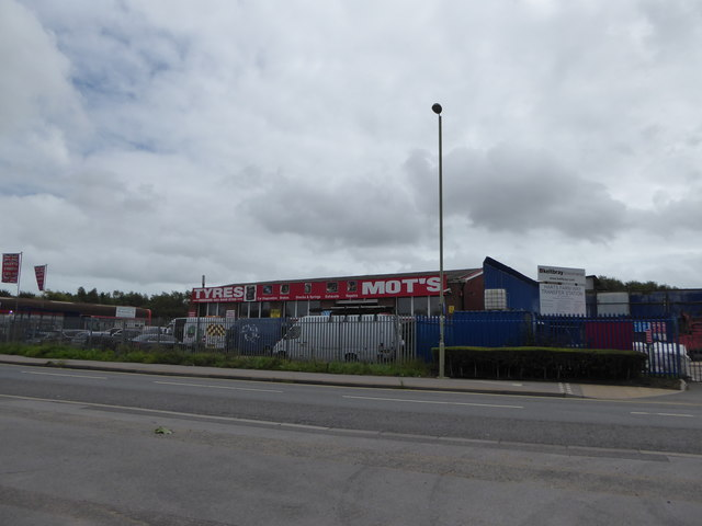 Business premises in Harts Farm Way