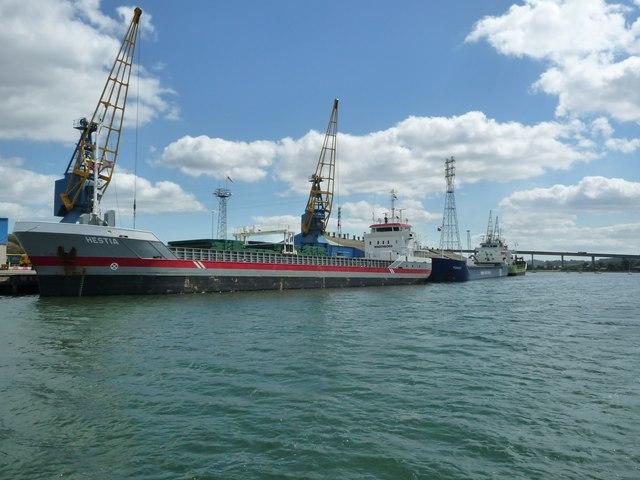 Unloading ships, Cliff Quay, Ipswich
