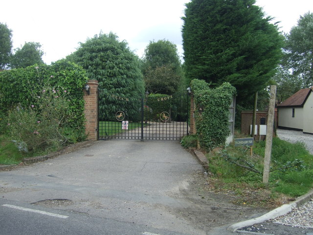 Gated drive off Mill Street, Hastingwood