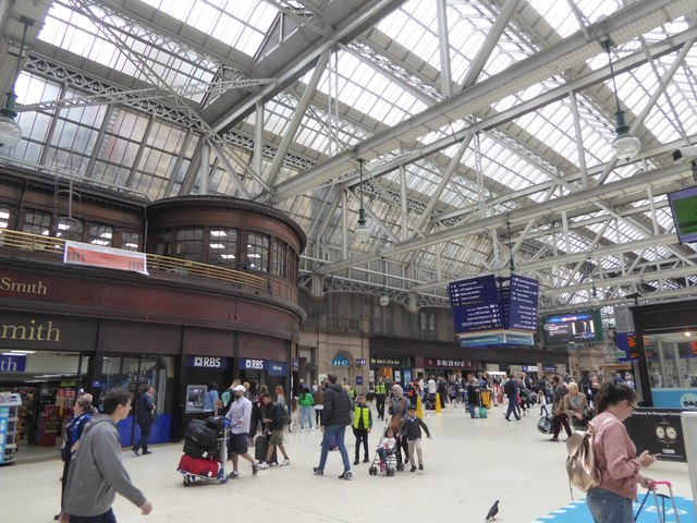 Arrivals hall of Glasgow Central railway station