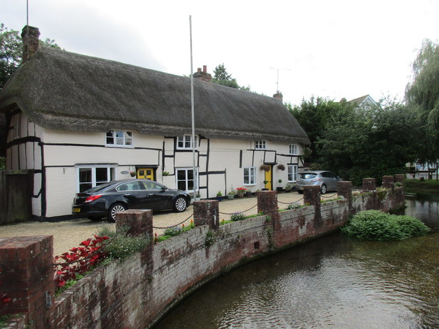 Cottages by the River Avon, Pewsey