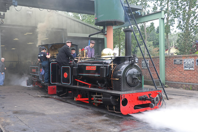 Statfold Barn Railway - ready for action