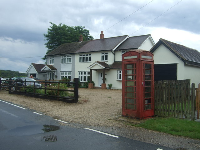 Houses on Fyfield Road, Willingale