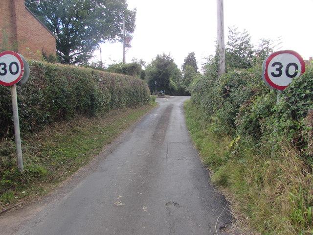 Start of the 30 zone, Church Hill, English Bicknor