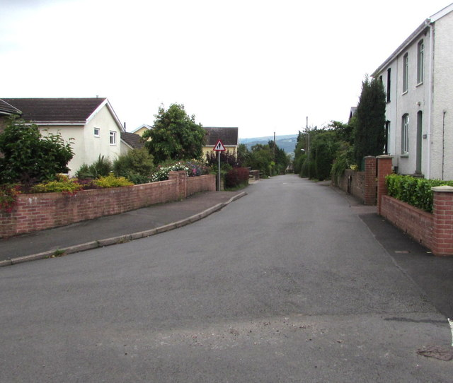 South along Firs Road, Mardy