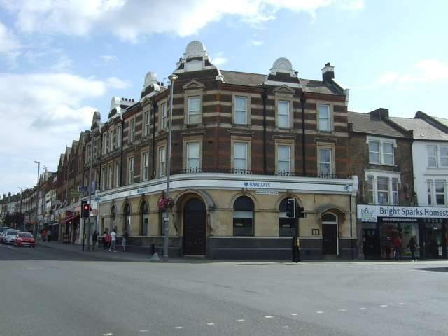 Bank on Lea Bridge Road (A104)