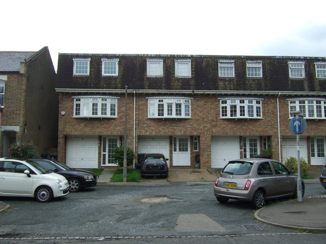 Houses on Epping New Road (A104)