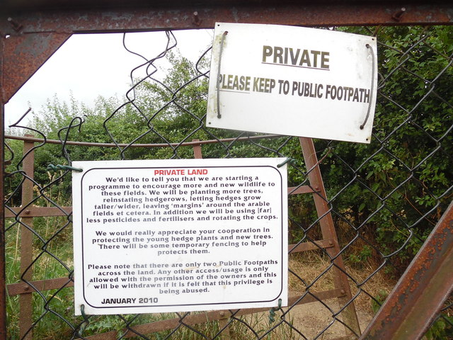 Notices on Gate nears Fullers Close, Chesham