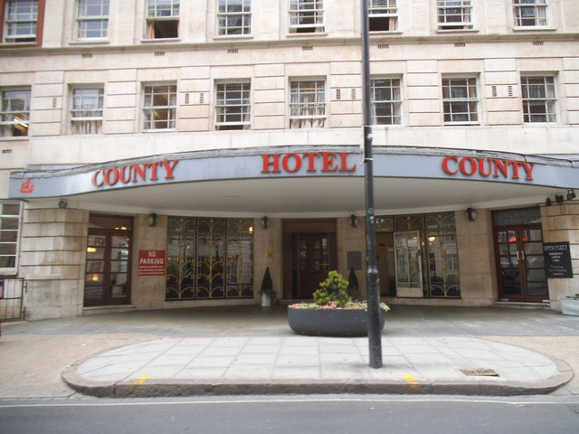 The entrance to the County Hotel on Woburn Place