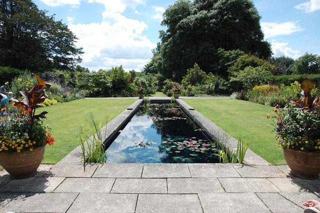 Tintinhull Garden: the Italianate pool