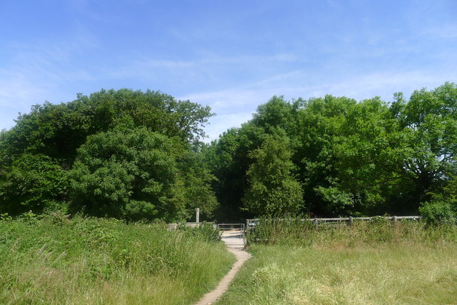 Approaching the car park at the top of Ash Lane