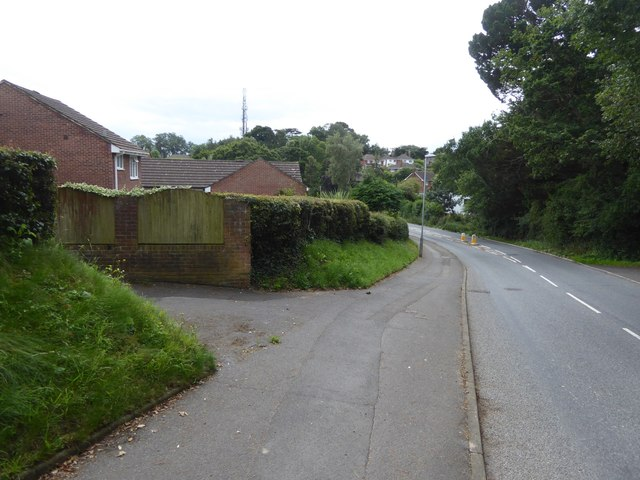 Pennsylvania Road, Exeter and footpath into housing estate