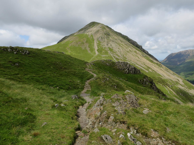 Path over Seat to High Crag