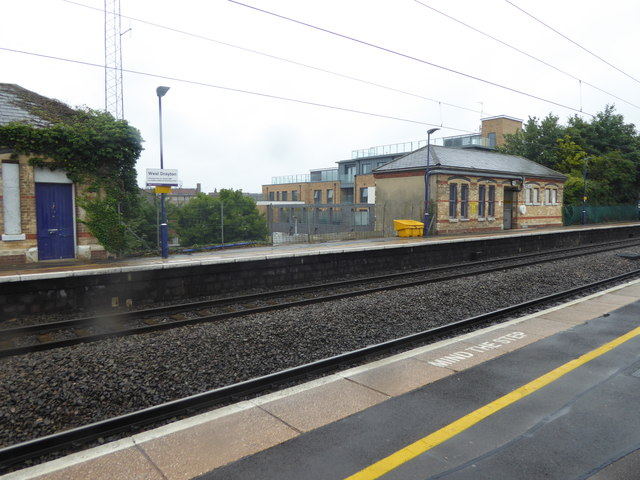 Looking across the fast lines at West Drayton station