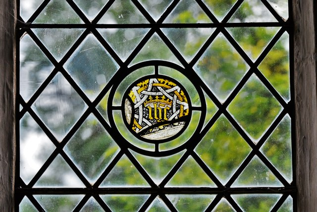 Seething, St. Margaret and St. Remigius Church: Medieval glass roundel 1