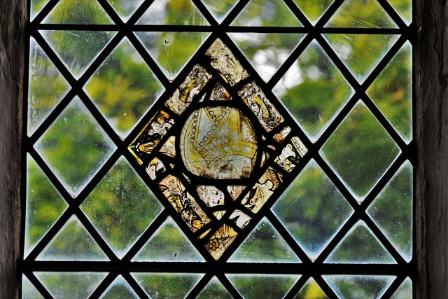 Seething, St. Margaret and St. Remigius Church: Medieval glass roundel 2