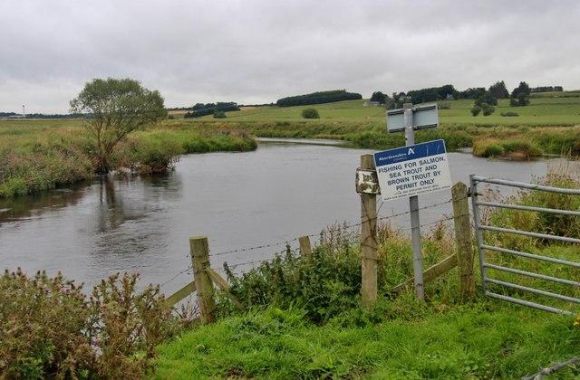 River Don meanders through Breedie's Haugh