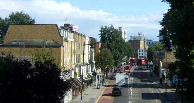 Grove Road (A1205)