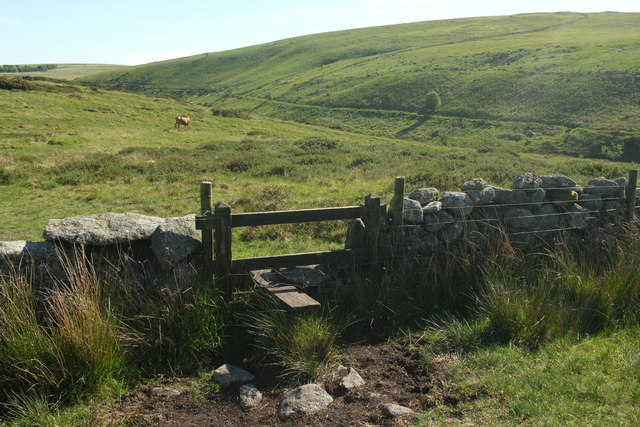 Stile on path north of Stannon Tor