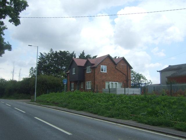 House near Horseshoes Farm