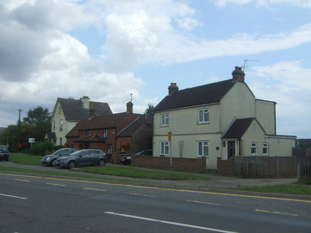 Houses on London Road (B1393)