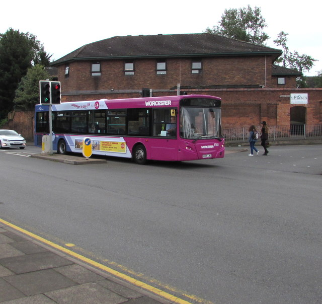 First Worcestershire bus on the B4205, Worcester