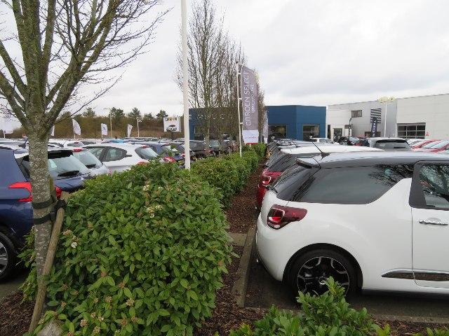Peugeot dealership - Basingstoke
